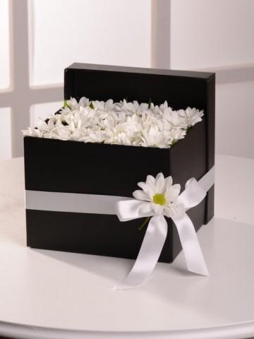 Beyazın Gizemi Kutuda Çiçek çiçek gönder