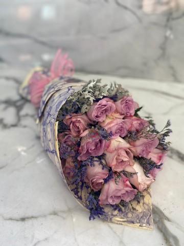 Ebru Sanatlı Lila Pembe Güller (Exclusive Collection) Buketler çiçek gönder