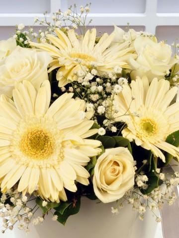 Beyaz Meleğime Aranjmanı Aranjmanlar çiçek gönder