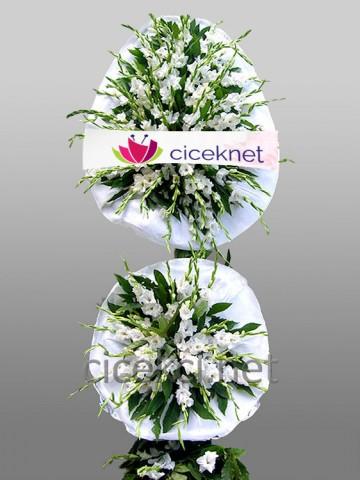 Beyaz Glayörlü Ayaklı Sepet Düğün Çelenkleri çiçek gönder