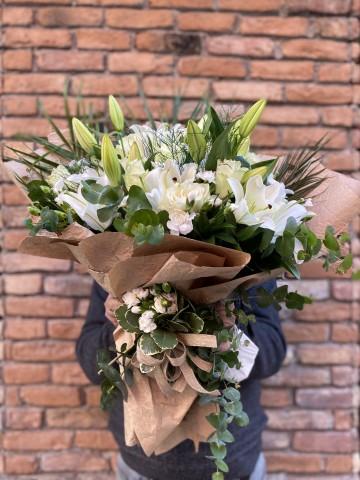 Butik Lilyum Gül Buketi  Buketler çiçek gönder