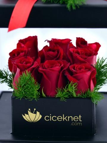 Sevginin Gücü Kırmızı Güller Kutuda Çiçek çiçek gönder