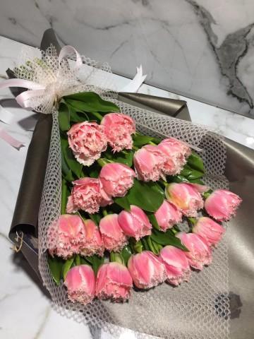 Karlı Lale Buketler çiçek gönder
