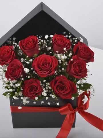 Siyah Kutuda 9 Kırmızı Gül Kutuda Çiçek çiçek gönder