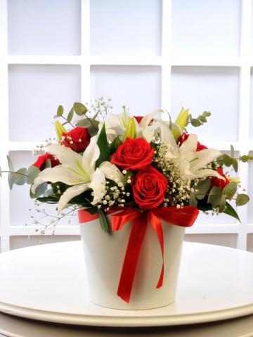 Kırmızı Beyazın Aşkı Aranjmanı Aranjmanlar çiçek gönder