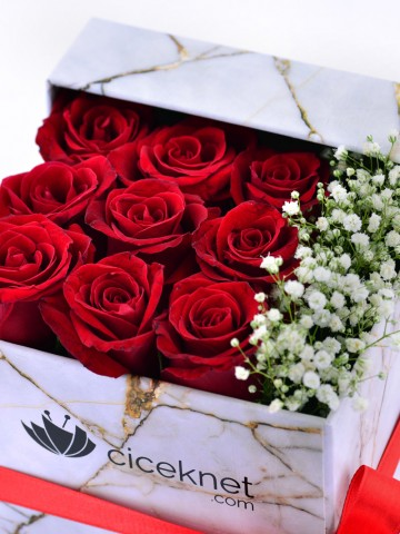 Mermer Desenli Kutuda Kırmızı Güller Kutuda Çiçek çiçek gönder