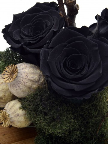 Aşk Bu  Cam Kürede Solmayan Siyah Güller Solmayan Güller  çiçek gönder