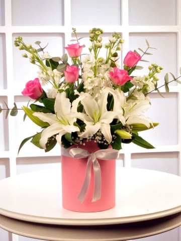 Pembe Kelebeğim Kutuda Çiçek çiçek gönder