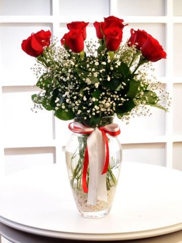 Cam Vazoda 11 Kırmızı Gül Aranjmanlar çiçek gönder