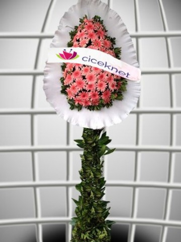 Pembe Gerberalı Ayaklı Sepet Düğün Çelenkleri çiçek gönder