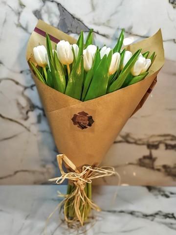 Sade Taptaze Lale Buketler çiçek gönder