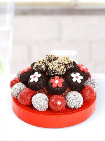 Nefis Truffe Çiçekleri Meyve Sepeti ve Çikolatalar çiçek gönder