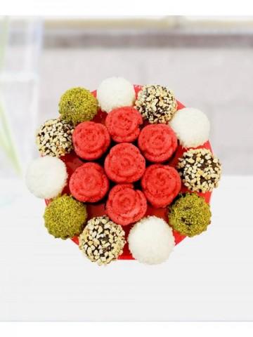 Lezzetli Tatlar Meyve Sepeti ve Çikolatalar çiçek gönder
