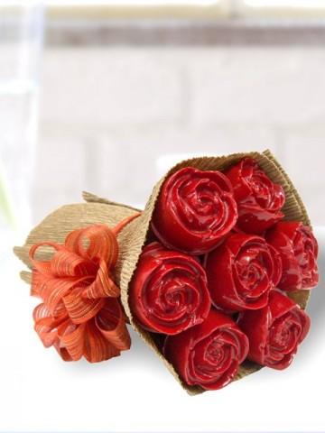 Kırmızı Gül Buketi Meyve Sepeti ve Çikolatalar çiçek gönder