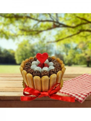 Hediye Paketi Pastası Meyve Sepeti ve Çikolatalar çiçek gönder