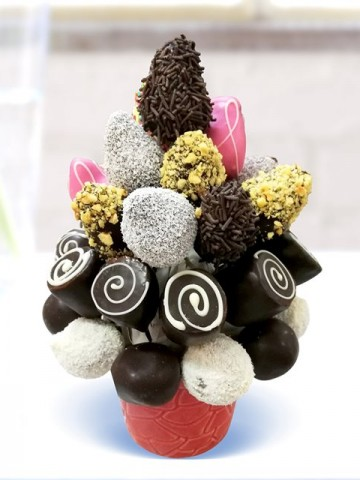 Muzlu Çilekli Meyve Sepeti ve Çikolatalar çiçek gönder