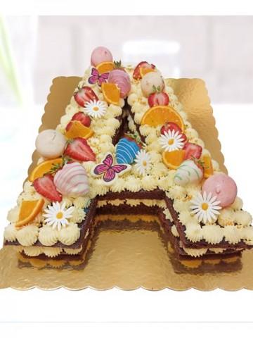 Kişiye Özel Harf Pasta Meyve Sepeti ve Çikolatalar çiçek gönder