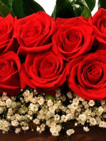 Bakır Rengi Kalpli Seramikte Kırmızı Güller  Aranjmanlar çiçek gönder