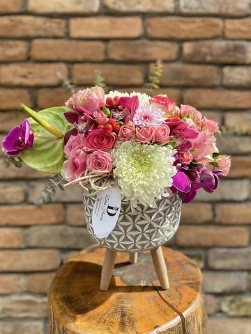 Ayaklı Seramikte Butik Aranjman Aranjmanlar çiçek gönder