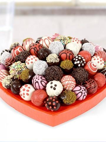 Karışık Truffle Lezzet Sepeti Meyve Sepeti ve Çikolatalar çiçek gönder