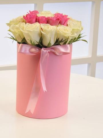 Güllere Yazdım Seni Kişiye Özel Baş Harfi Çiçeği Kutuda Çiçek çiçek gönder