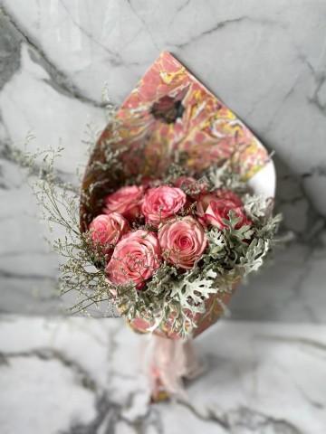 Ebru Sanatlı Pembe Degrade güller (Exclusive Collection) Buketler çiçek gönder