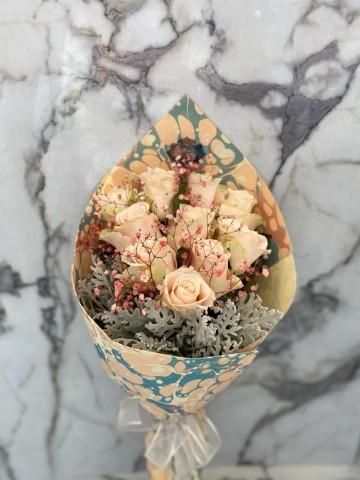 Ebru Sanatlı SOMON Güller (Exclusive Collection) Buketler çiçek gönder