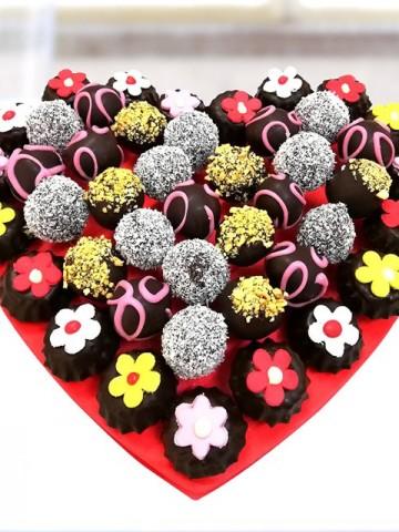 Sürpriz Tatlar Sepeti Meyve Sepeti ve Çikolatalar çiçek gönder