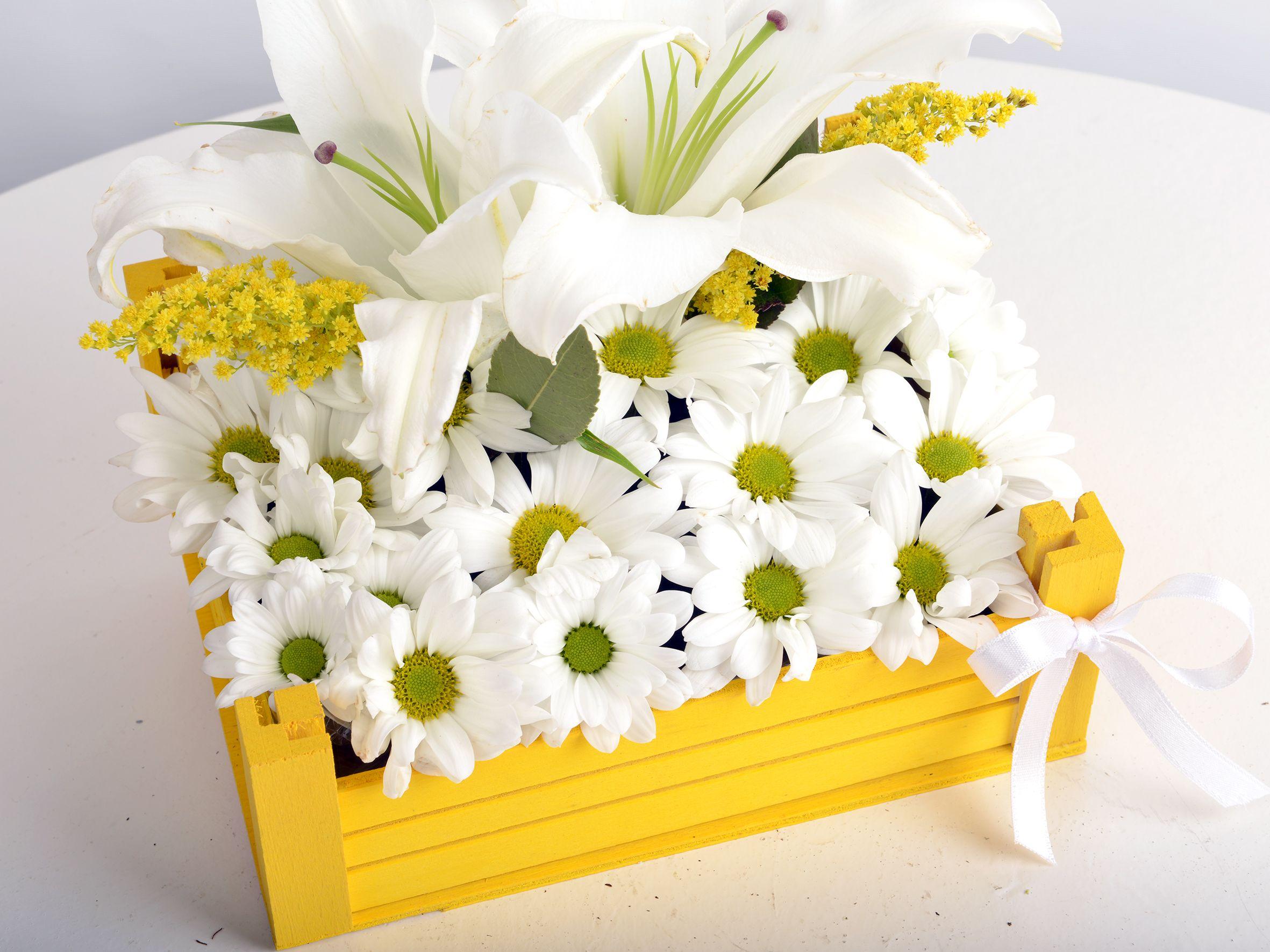 En güzel manzaram Kır Çiçekleri Aranjmanlar çiçek gönder