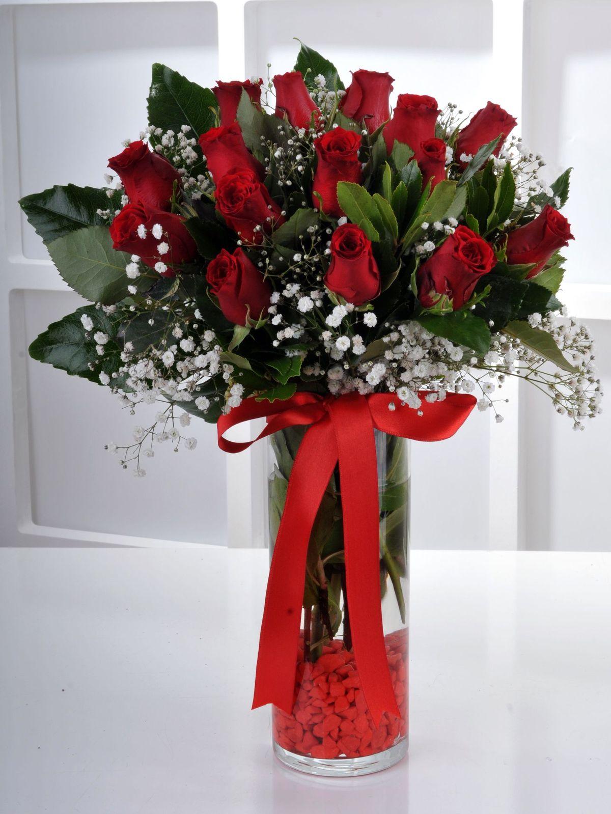 Kızıl Melodi 15 Kırmızı Gül Çiçek Arajmanı  çiçek gönder