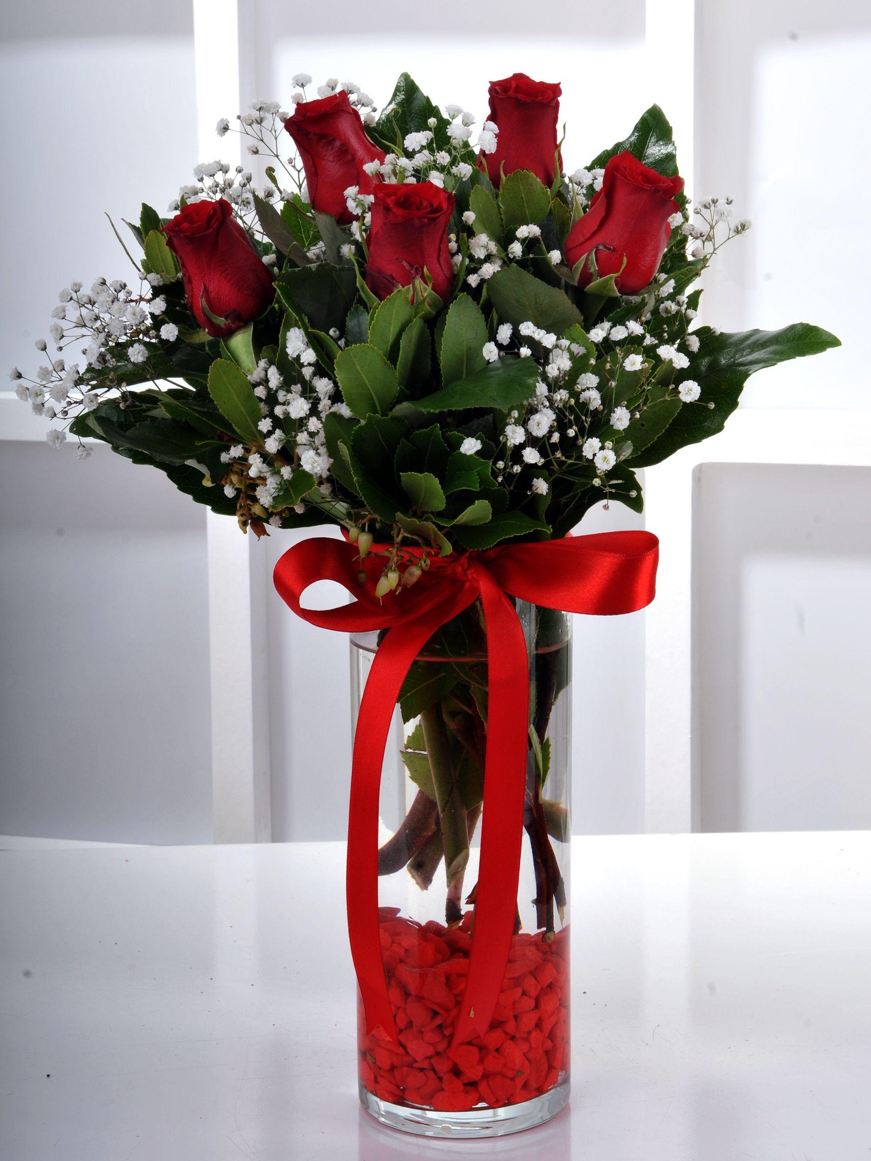 Vazoda 5 Kırmızı Gül Çiçek Arajmanı..  çiçek gönder