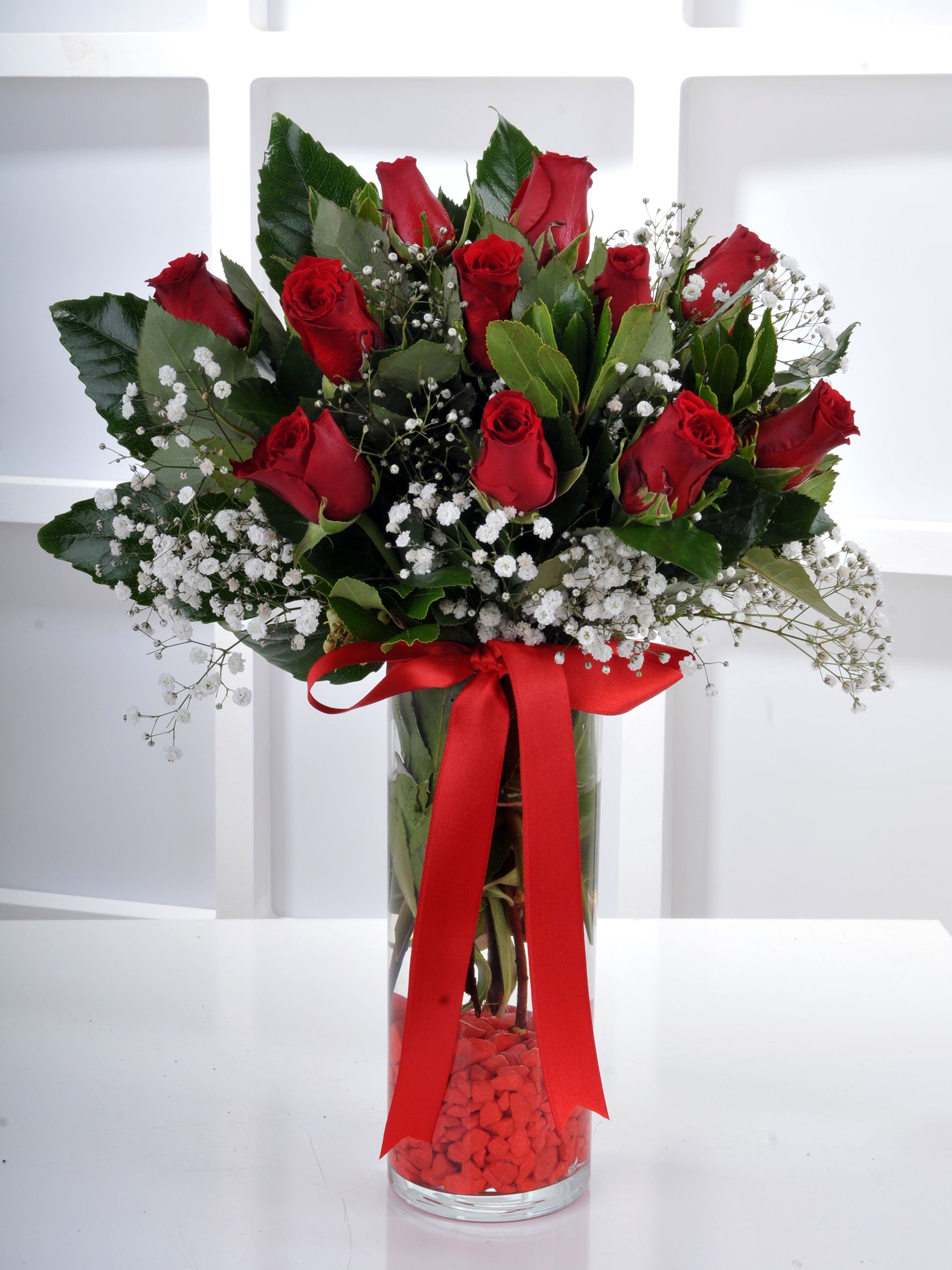 Silindir Vazoda 11 Kırmızı Gül.. Aranjmanlar çiçek gönder