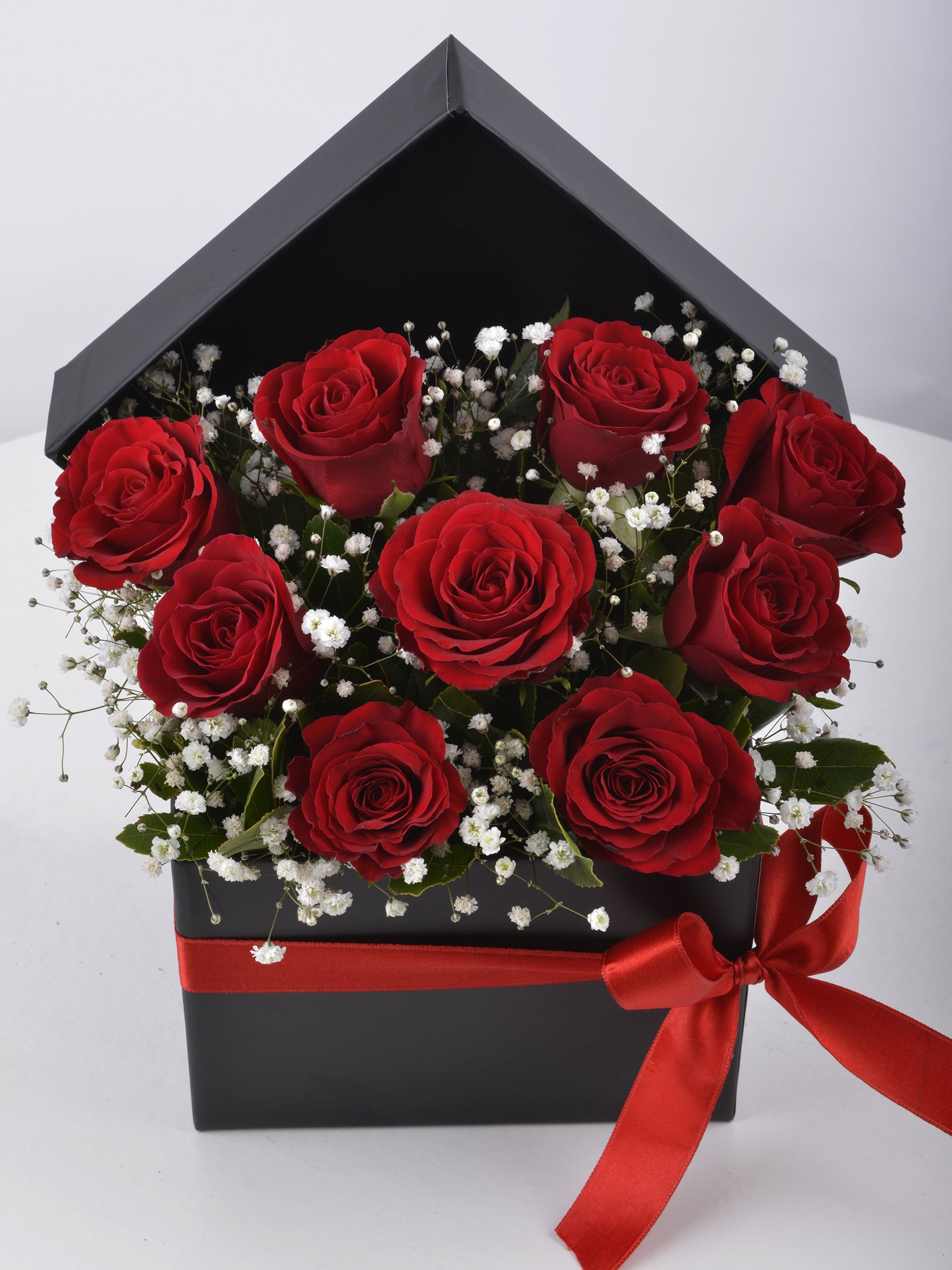 Siyah Kutuda 9 Kırmızı Gül  çiçek gönder