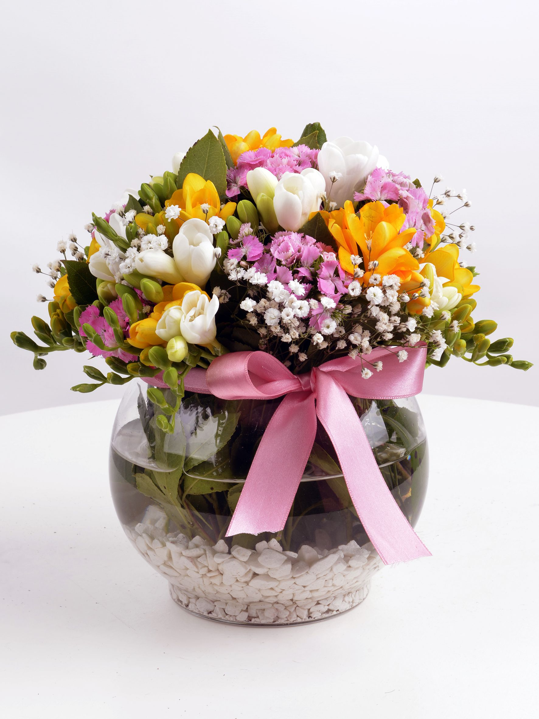 Renkli Kelebekler Mis Kokulu Kır Çiçeği  çiçek gönder