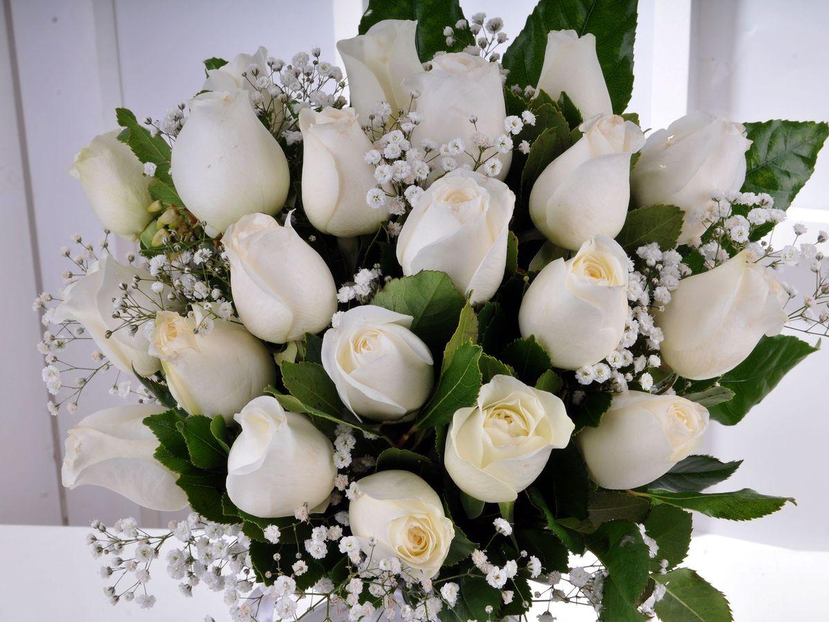Bir İlkbahar Sabahı 21 Beyaz Gül Aranjmanlar çiçek gönder