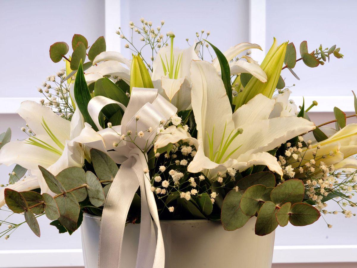 Beyaz Lilyum Arajmanı Aranjmanlar çiçek gönder