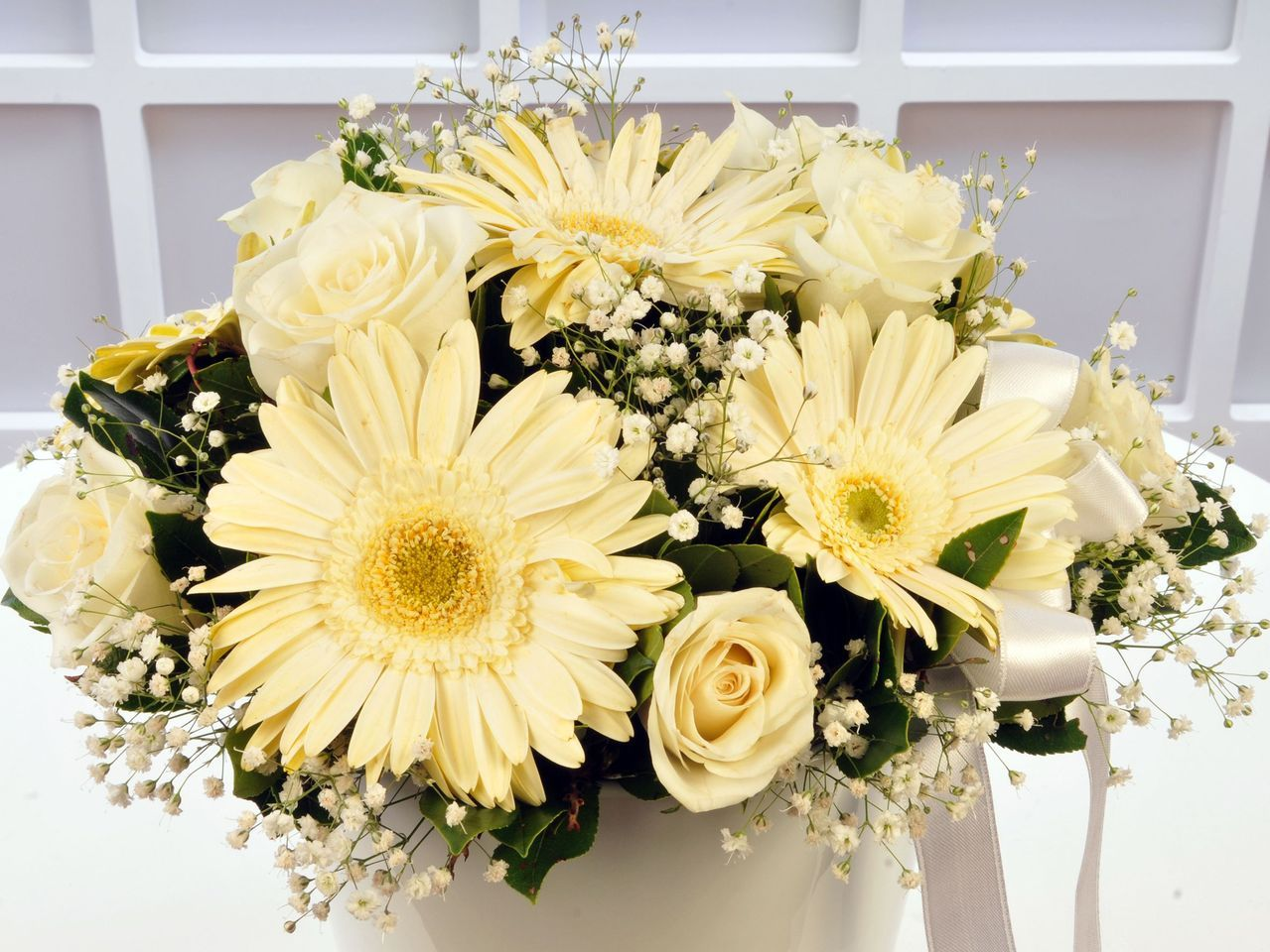 Beyaz Meleğime Aranjmanlar çiçek gönder