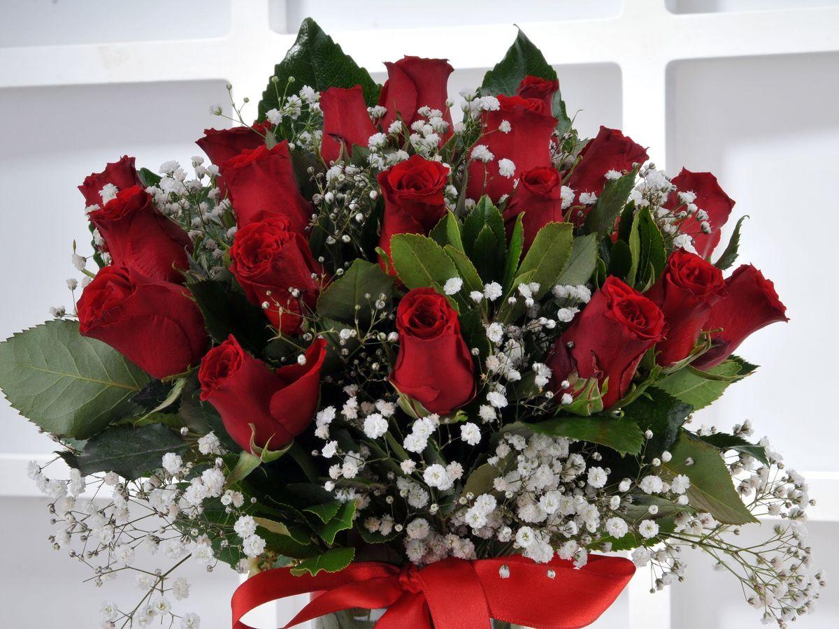 Vazoda 19 Kırmızı Gül. Aranjmanlar çiçek gönder