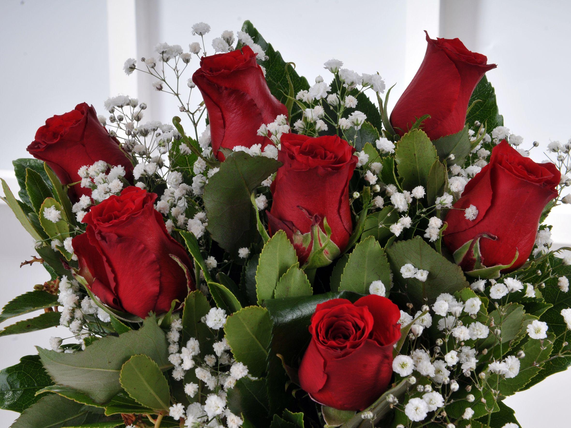 Vazoda 7 Kırmızı Gül Çiçek Arajmanı.. Aranjmanlar çiçek gönder