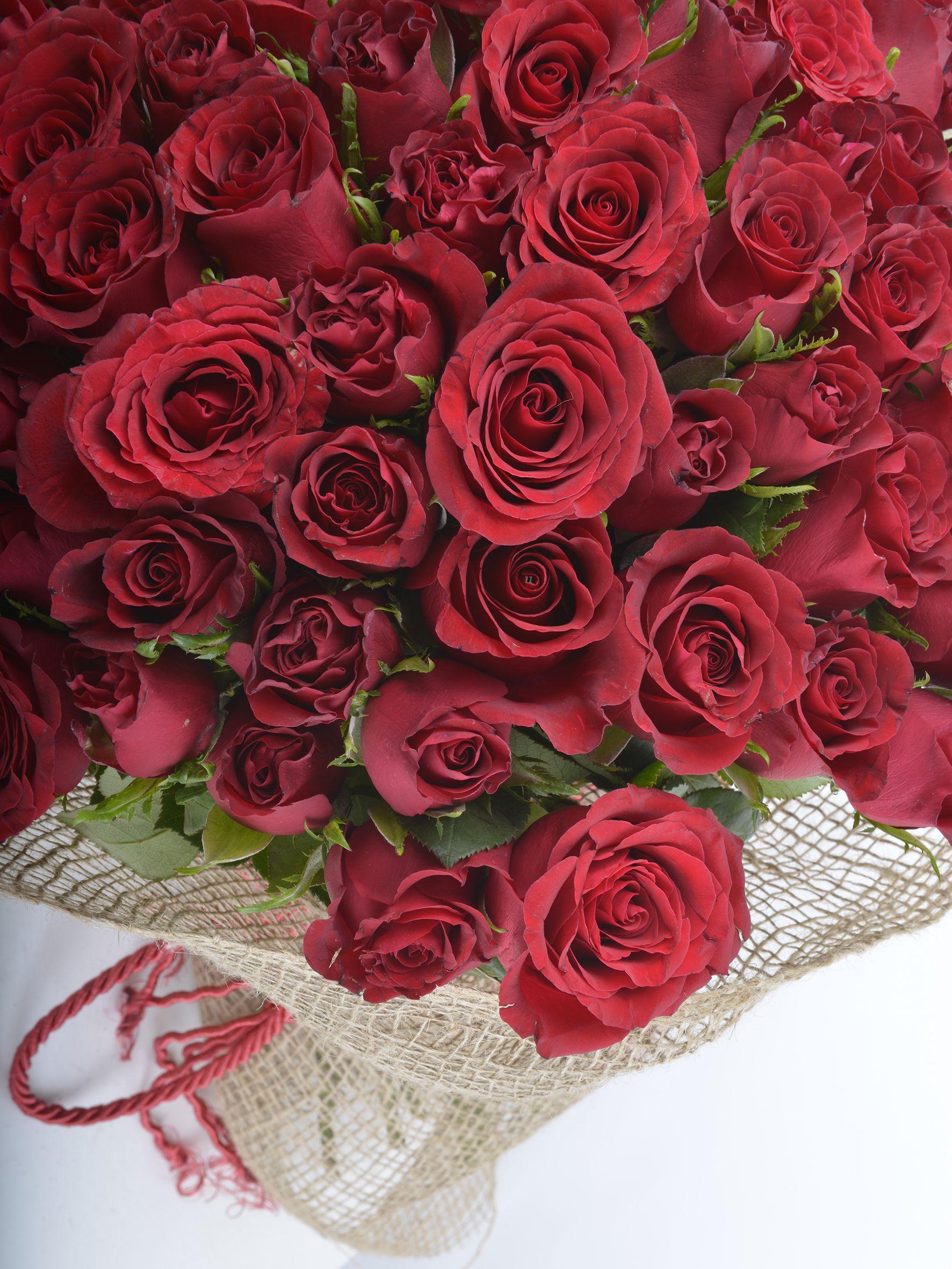 Kucak Dolusu 51 Kırmızı Gül Buketler çiçek gönder