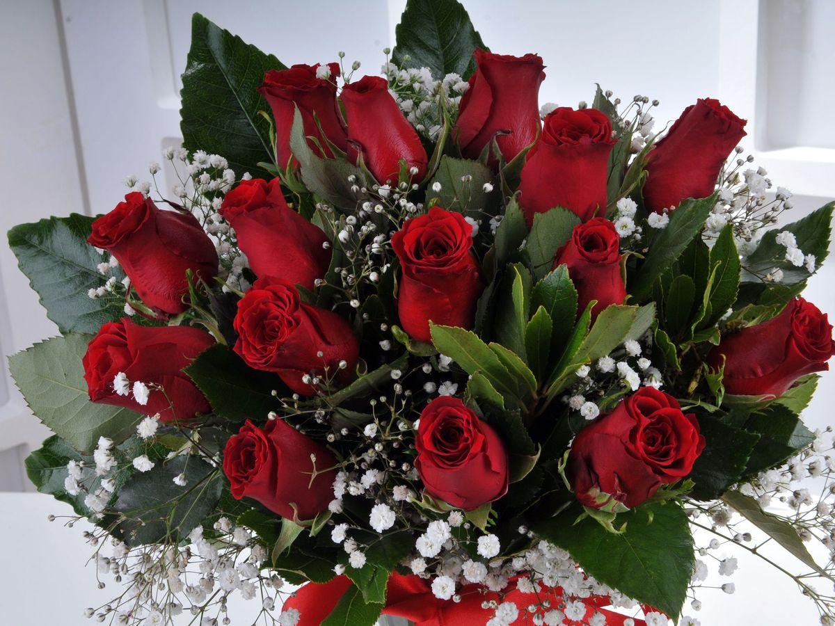 Vazoda 15 Kırmızı Gül.  Aranjmanlar çiçek gönder