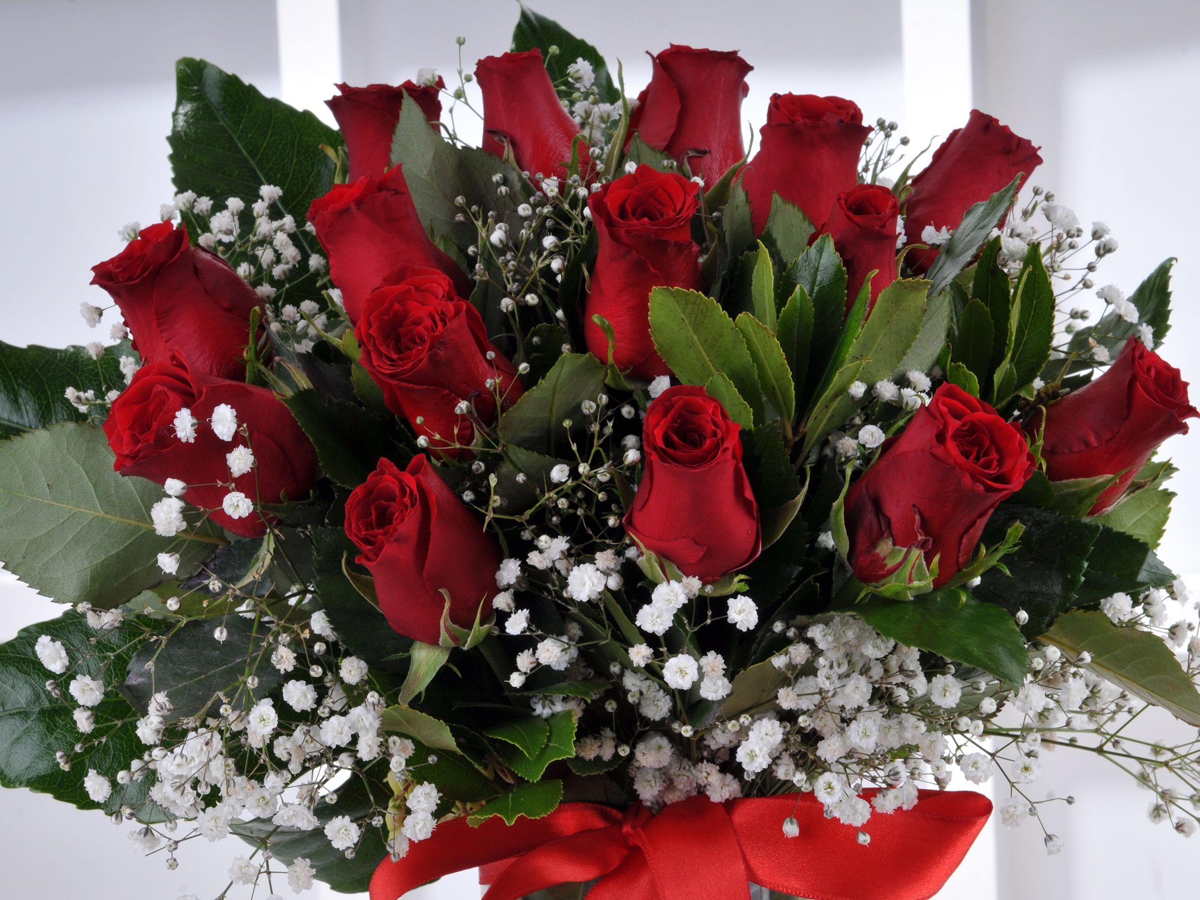 Vazoda 15 Kırmızı Gül.. Aranjmanlar çiçek gönder