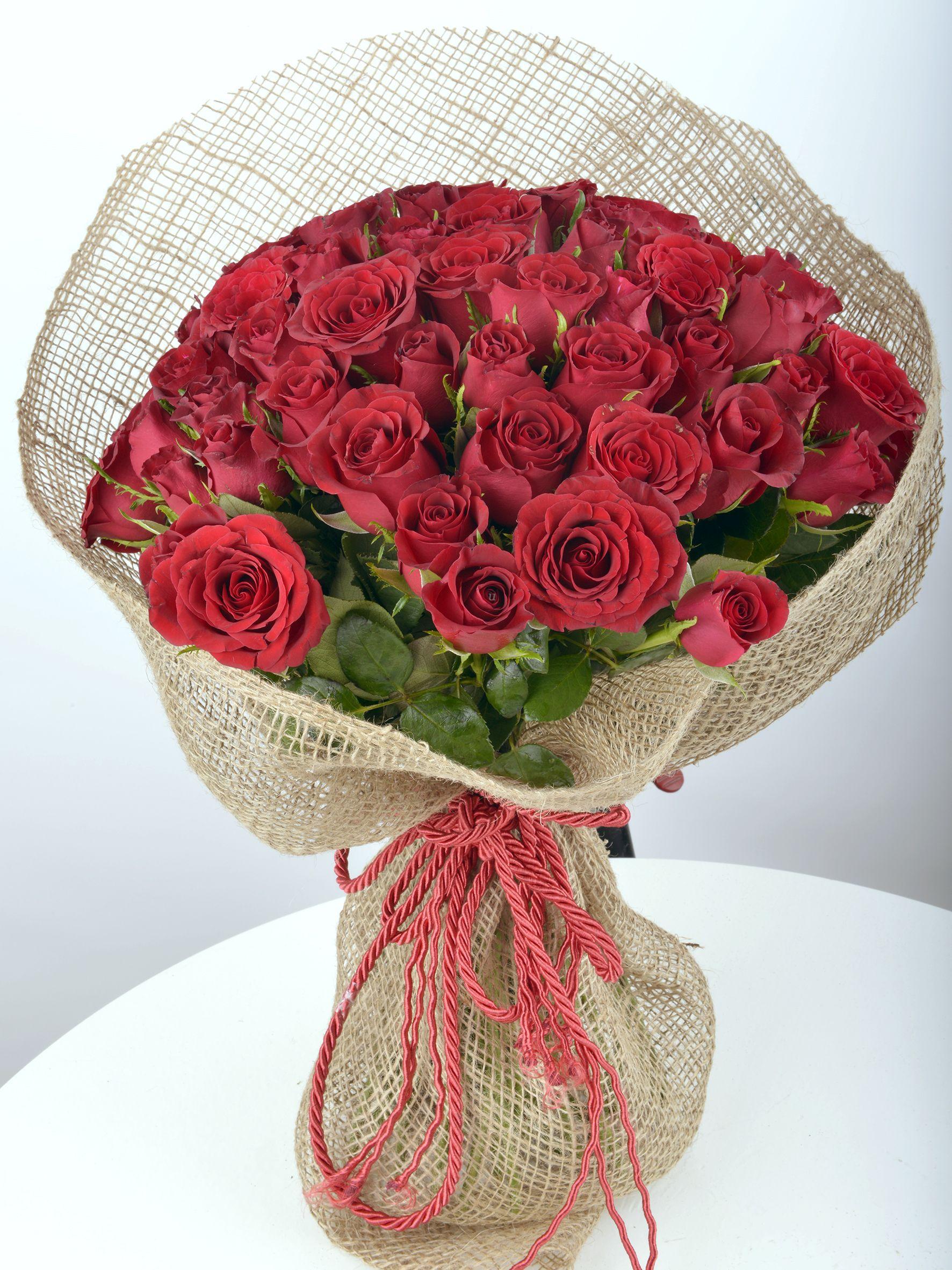 Kucak Dolusu 51 Kırmızı Gül  çiçek gönder